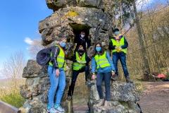 """Gruppefoto beim Deiwelselter vum Team Käerjeng 1 """"Gekréngelt Schwéngecher"""" op der JoCaPi 2021"""